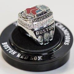 Boston_Red_Sox_commemorative_ring_52014