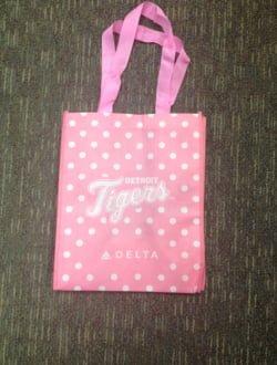 Detroit Tigers_pink_bag_9-12-14