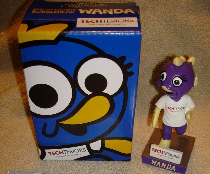 wanda racing minnow mini bobblehead - lakeshore chinooks
