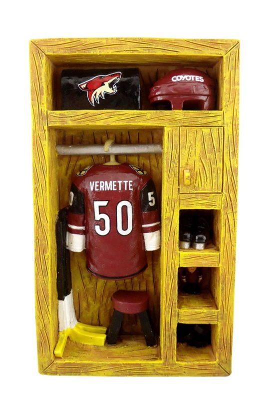 Arizona Coyotes_Antoine Vermette Mini Locker 1of5_12-11-15