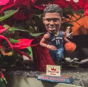 New Orleans Pelcans Jrue Holiday bobblehead 12-31-2015
