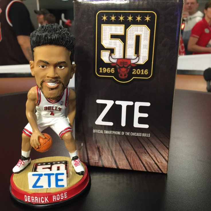 Derrick Rose Bobblehead - Chicago Bulls - 2-27-2016 (2)