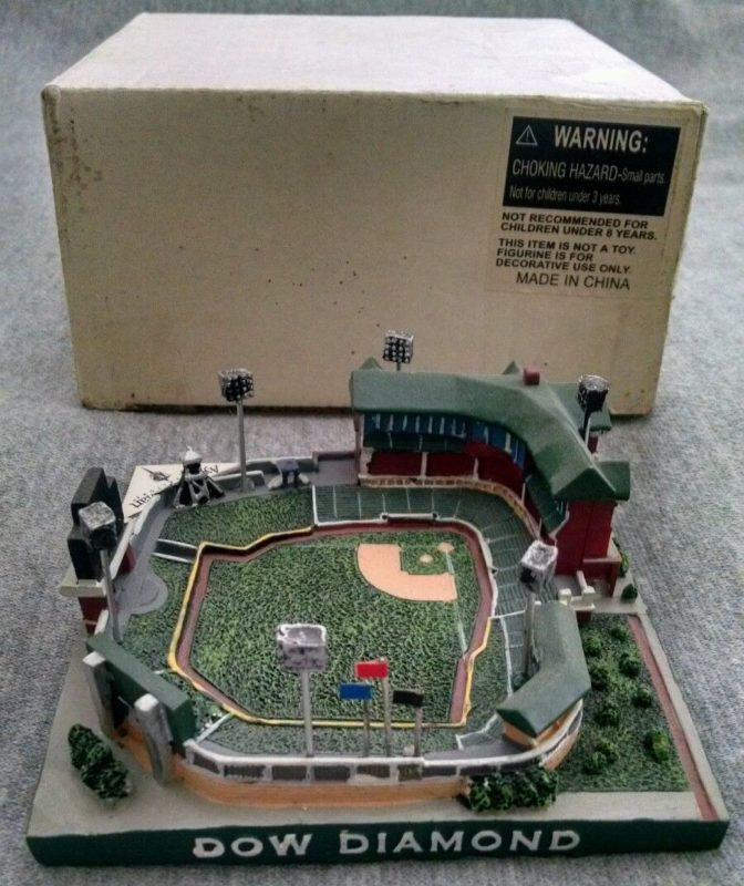 Dow Diamond Replica