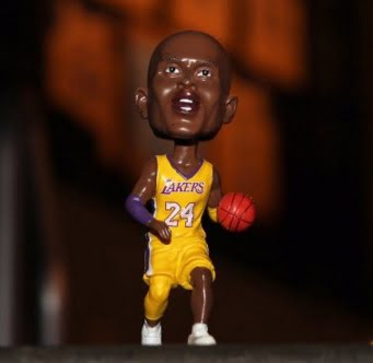 Los Angeles Lakers Kobe Bobblehead 3-30-2016