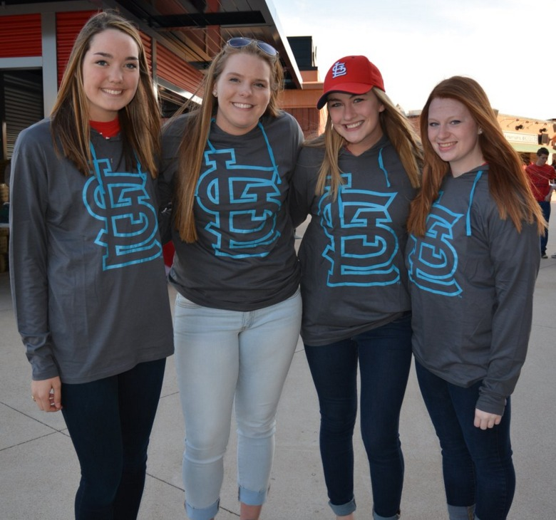 hoodie college night - st louis cardinals - 4-13-2016