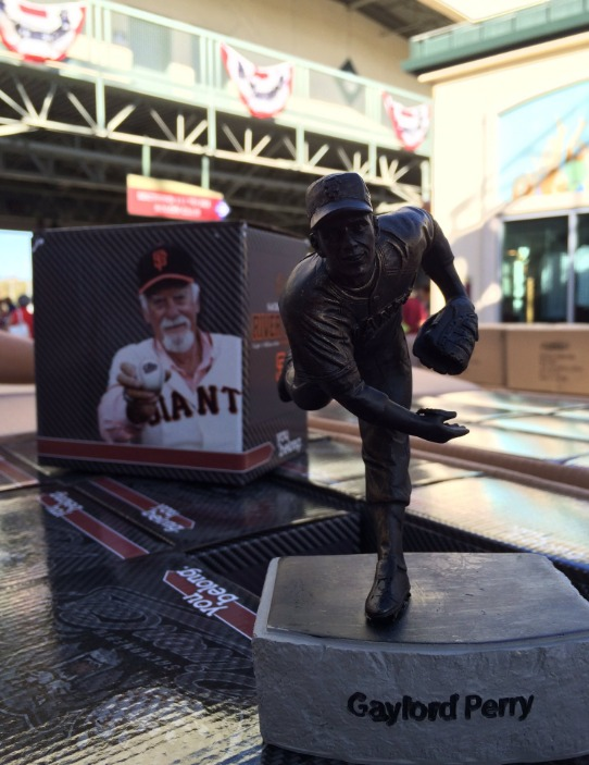 gaylord perry statue - sacramento river cats - 9-2-2016