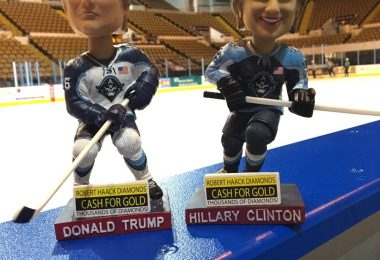 milwuakee-admirals-clinton-trump-election-bobbleheads