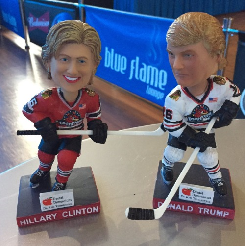 trump-and-clinton-bobbleheads-rockford-icehogs-ahl-10-28-2016-2
