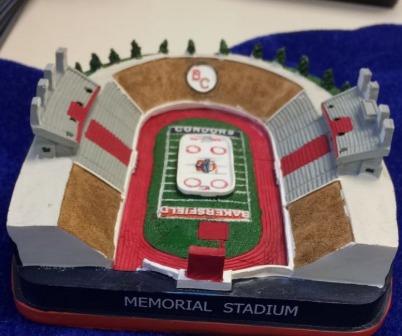 memorial-stadium-replica-bakersfield-condors-ahl-12-2-2016