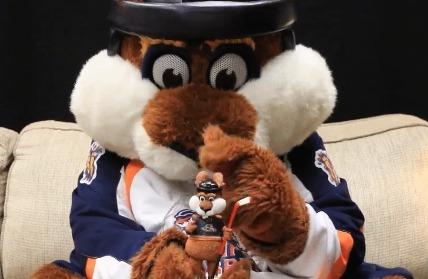 stomper-mascot-bobblehead-greensville-swamp-rabbits-echl-11-12-2016