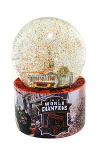 Giants040913-SnowGlobe