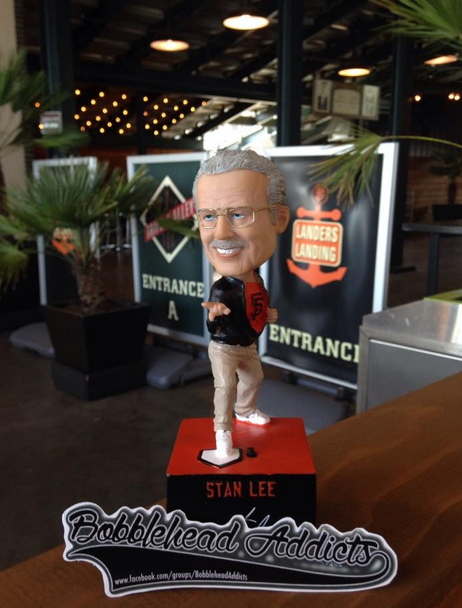 stan lee bobblehead - san francisco giants (2)