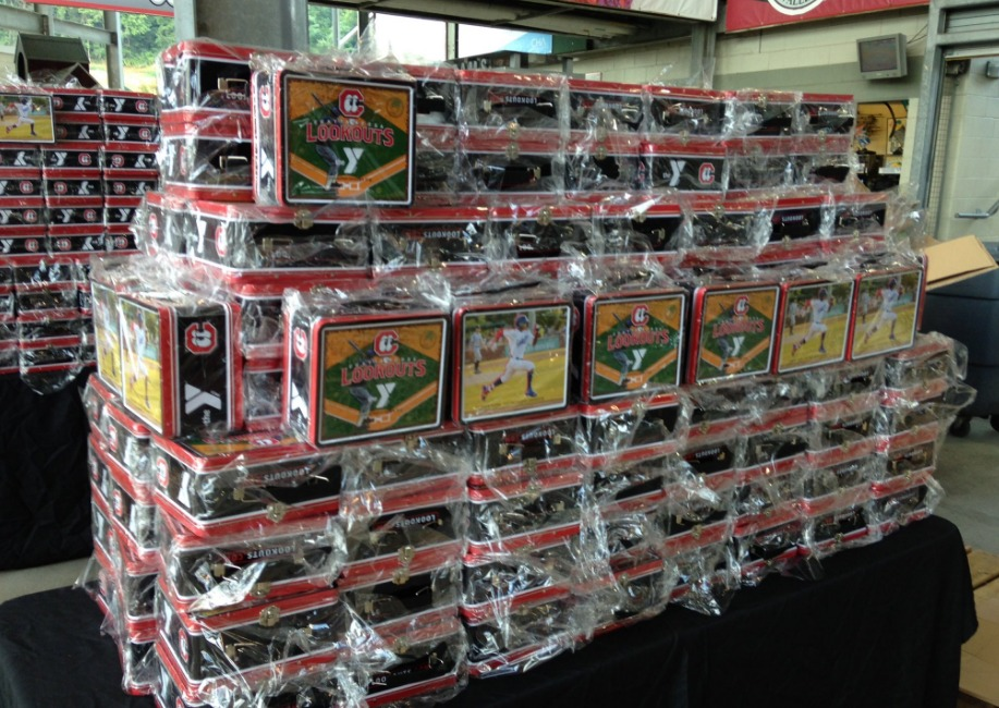 tin lunch box - chattanooga lookouts - 7-29-2016