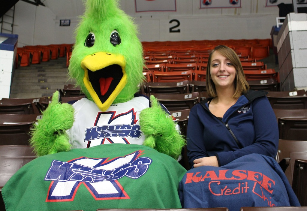 fleece-blanket-kalamazoo-wings-echl-10-28-2016