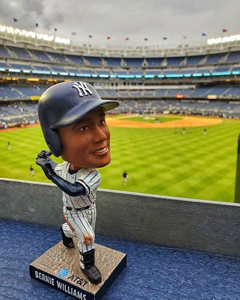 new-york-yankee-Bernie Williams Bobblehea